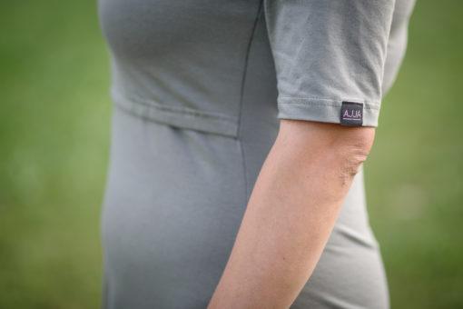 šaty na dojčenie